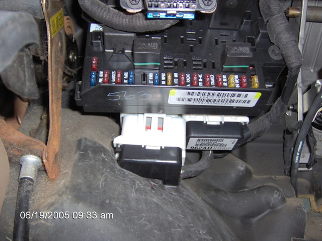 XLarge_2000_DODGE_CARAVAN_BCM_PLUGS bulldog security diagrams 2007 dodge caravan fuse box location at fashall.co